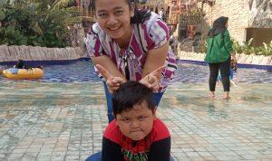 Mami dan VTJ Gemes di Liburan Slanik Waterpark Lampung
