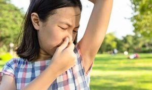 Menghilangkan Bau Badan Pada Anak Remaja